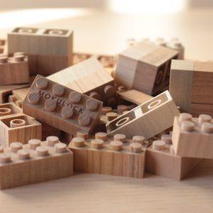 Mokulock e l'arte di giocare con il minimalismo